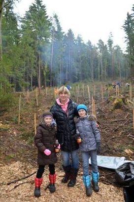 Frau Rome von der Firma Jensen mit ihren zwei Nichten