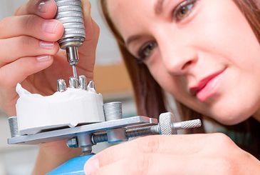 Zahntechniker/in CAD/CAM fürs Fräszentrum gesucht